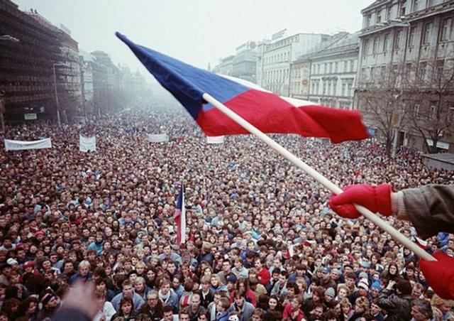 Чехия и Словакия отмечают 28-ю годовщину Бархатной революции