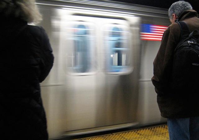 Объявления в метро Нью-Йорка сделали гендерно-нейтральными