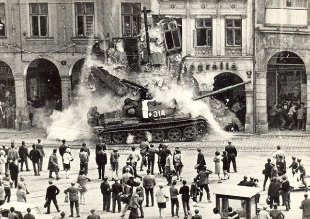 Президент Чехии резко осудил статью «Звезды» о «спасительной оккупации» 1968 года