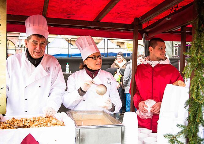 В Сочельник в центре Праги будут угощать рыбным супом