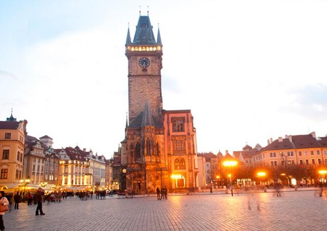 В Праге вновь открыли смотровую площадку Староместской ратуши: видео