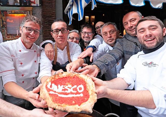 Неаполитанская пицца вошла в список культурного наследия ЮНЕСКО