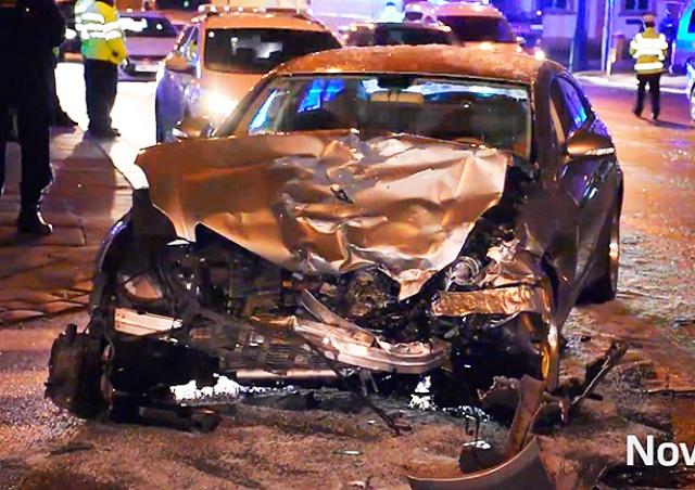 Пьяный иностранец на «Мерседесе» протаранил 5 машин в центре Праги
