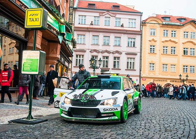 Раллийную Škoda Fabia превратили в пражское такси: видео
