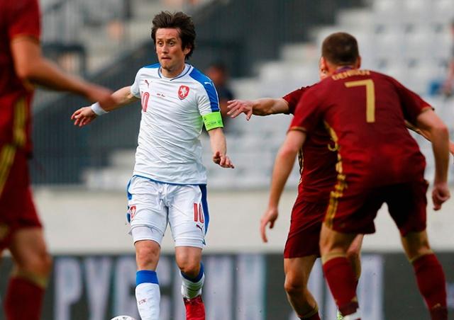 Томаш Росицки объявил о завершении карьеры