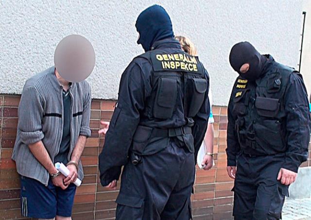 Пражских полицейских обвинили в вымогательстве взяток