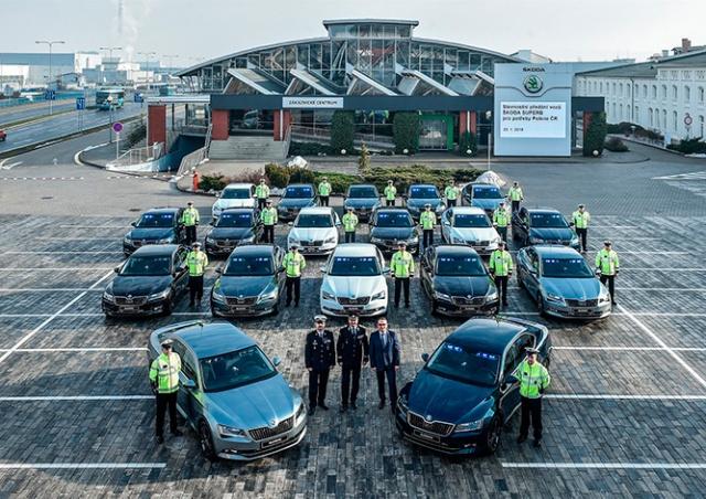 Транспортная полиция Чехии замаскировала спецмашины под обычные авто