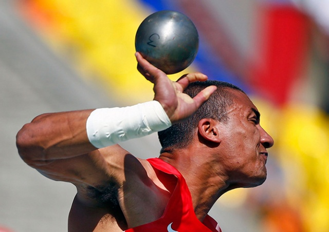 На соревнованиях в Праге легкоатлет случайно убил судью