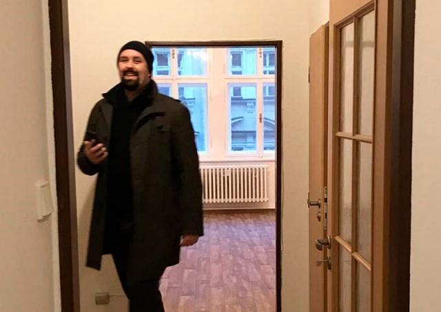 В Праге мошенник сдал чужую квартиру 8 раз за день