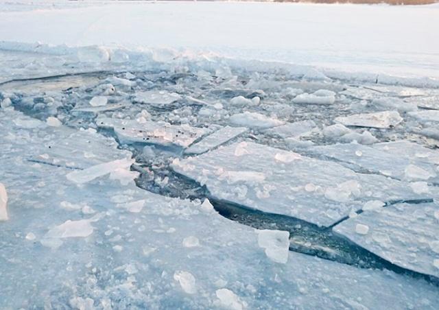В Праге очевидец спас провалившегося под лед мужчину