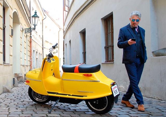Технологичная легенда: в Чехии начались онлайн-продажи скутера Čezeta