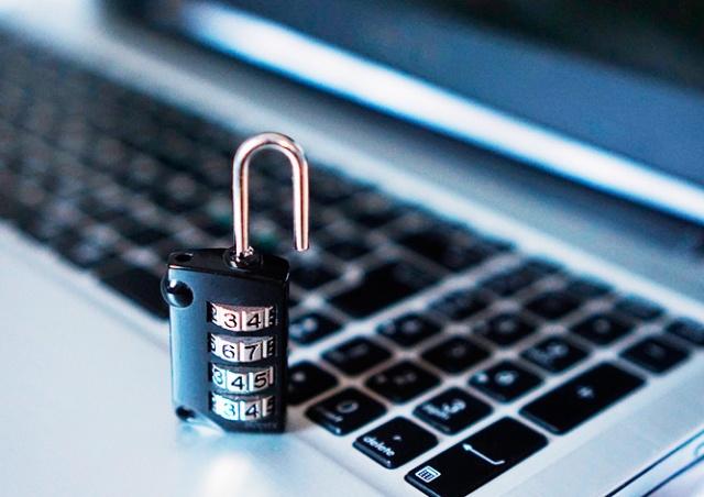Банк ČSOB предупредил клиентов об интернет-мошенниках