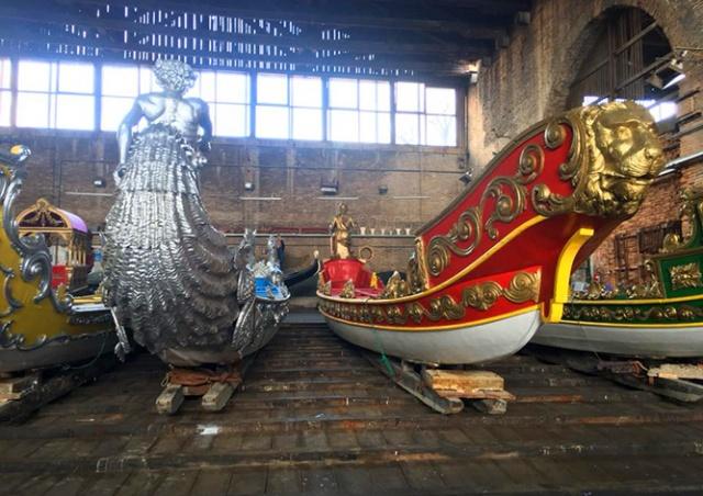 По реке в центре Праги проплывут уникальные гондолы из Венеции