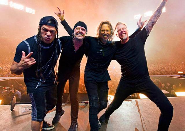 Metallica сыграла «Йожин з бажин» на концерте в Праге: видео