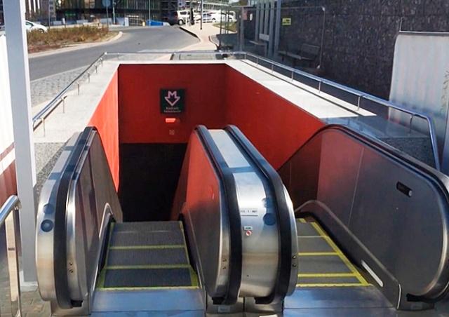Долгожданные эскалаторы облегчат дорогу в аэропорт Праги