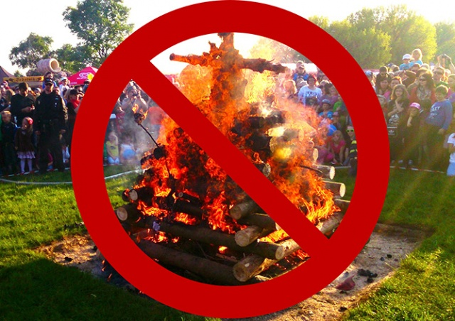 Сжигать «ведьм» в Праге не будут из-за запрета мэрии