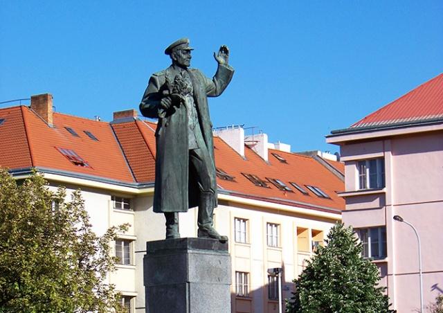 Чешские букмекеры оценили шансы памятника Коневу