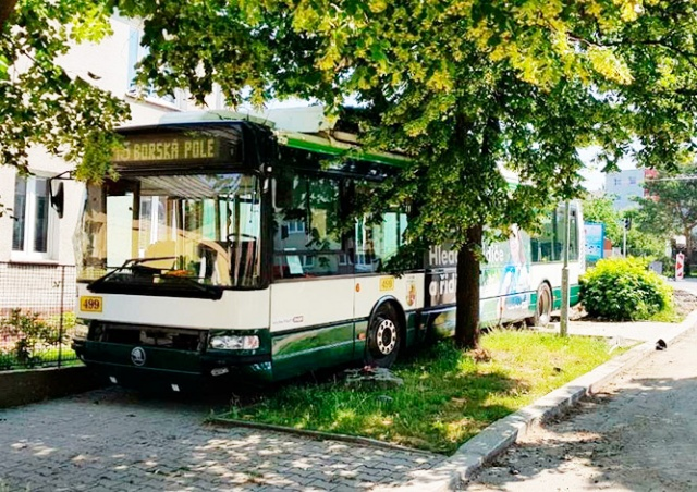 В Чехии от водителя «сбежал» троллейбус с пассажирами