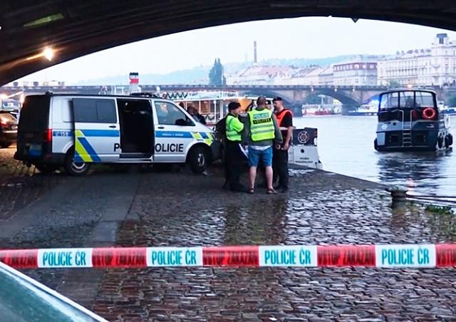В результате ливня в Праге погиб человек