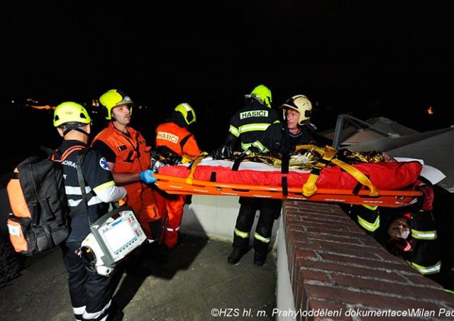 Иностранец упал с крыши Пражского Града