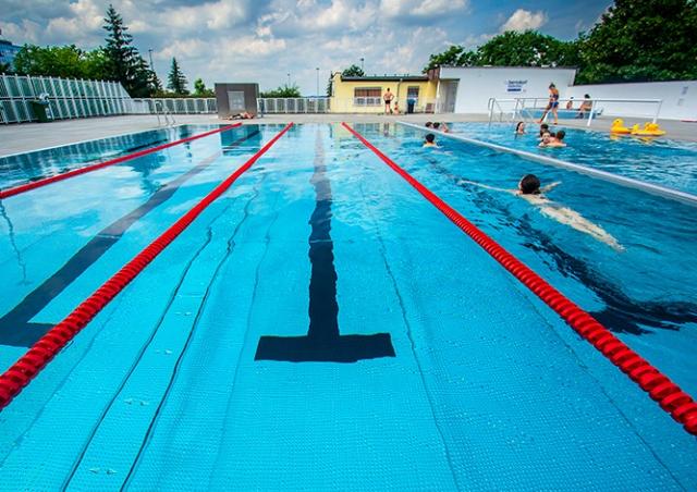 Где искупаться в Праге: открытые бассейны