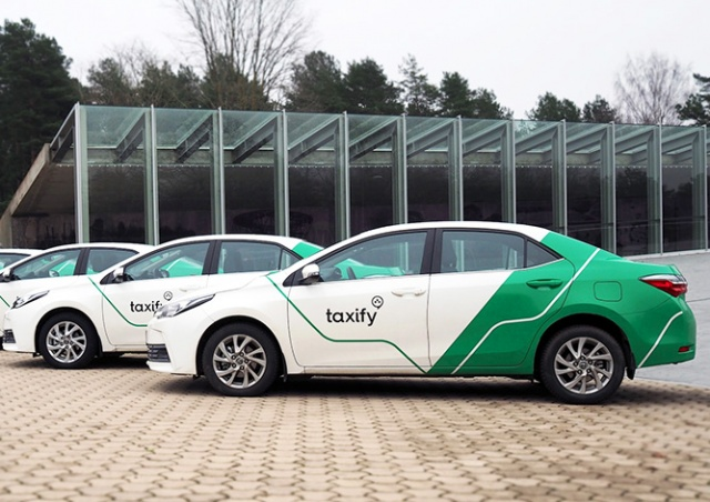 Суд запретил компании Taxify работать в Праге