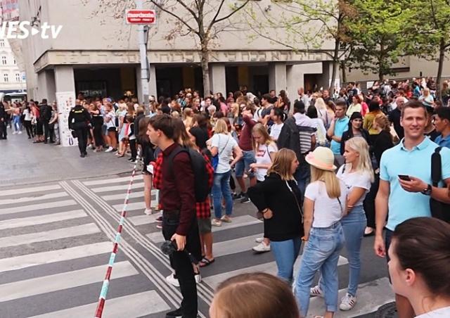 В Праге эвакуировали торговый центр из-за сообщения о бомбе