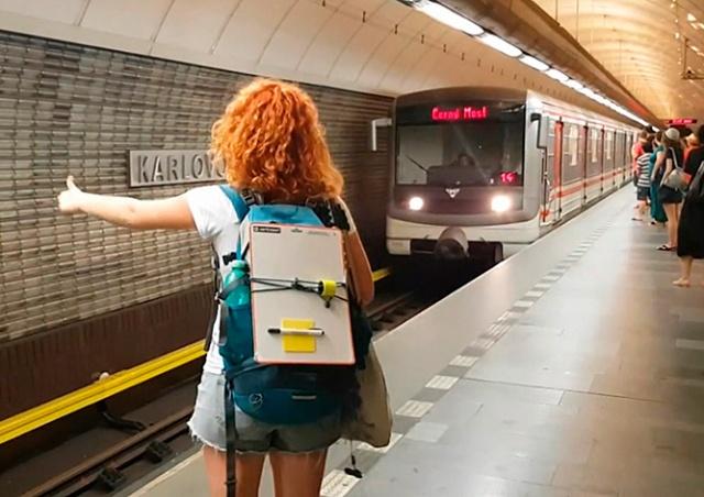 В Праге услужившего девушкам машиниста отстранили от работы