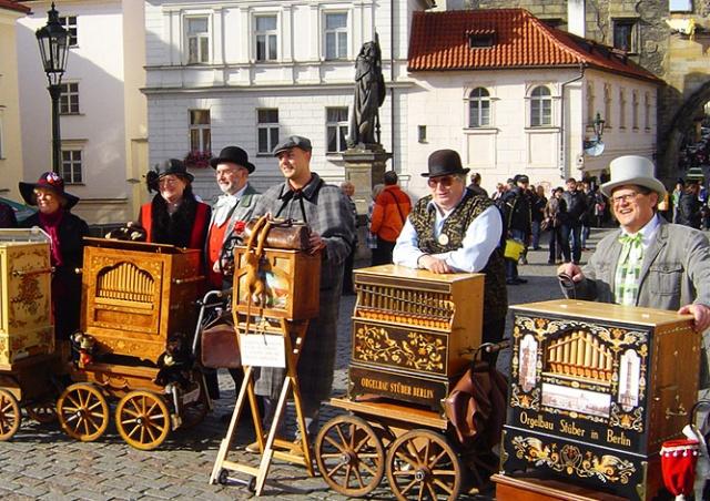 Фестиваль шарманок пройдет в центре Праги 14 августа