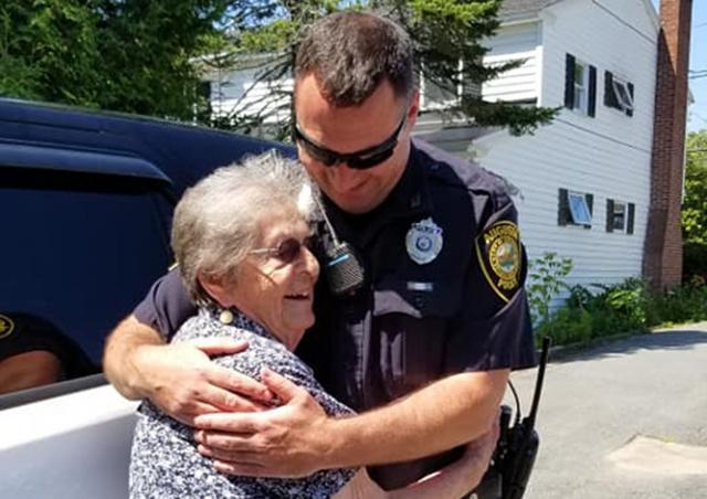 Дочь организовала арест 93-летней матери в честь Дня рождения