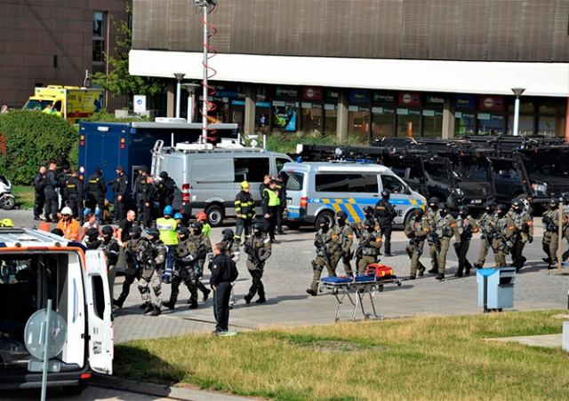 Захват заложников на концерте в Праге: полиция провела масштабные учения