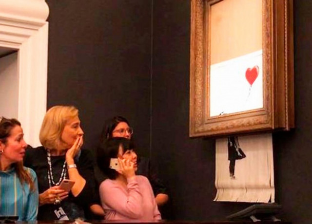 Картина Бэнкси за $1,4 млн самоуничтожилась сразу после продажи