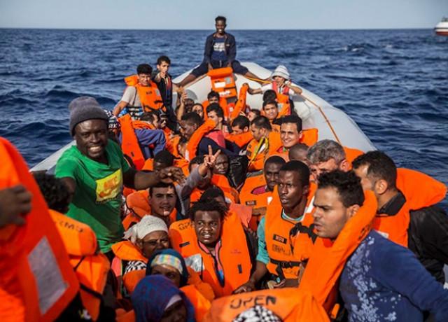 У берегов Испании за три дня обнаружили 2 тыс. нелегалов