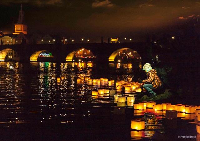 В Праге пройдет фестиваль водных фонариков «Река желаний»