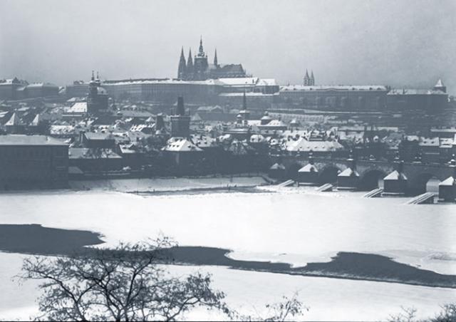 Видео: рождественская Прага на архивных кадрах