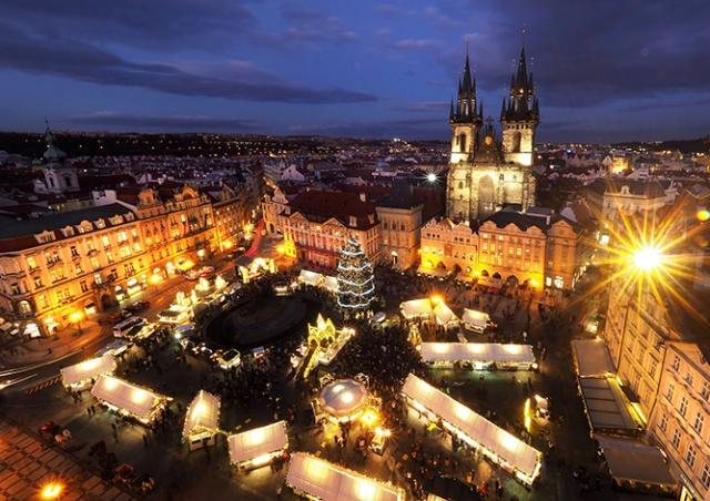 Главную рождественскую ёлку Праги пустят на мебель