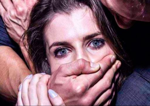 Суд вынес приговор иностранцам, изнасиловавшим туристку в центре Праги
