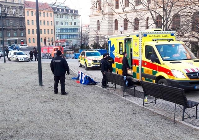 Еще один человек пытался сжечь себя в центре Праги
