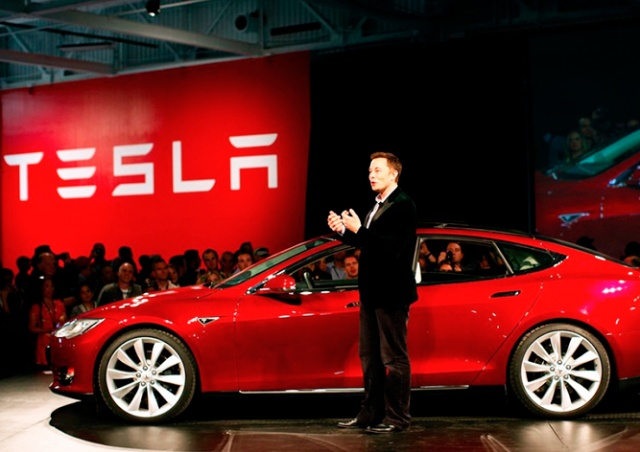 Tesla набирает сотрудников в свой филиал в Праге