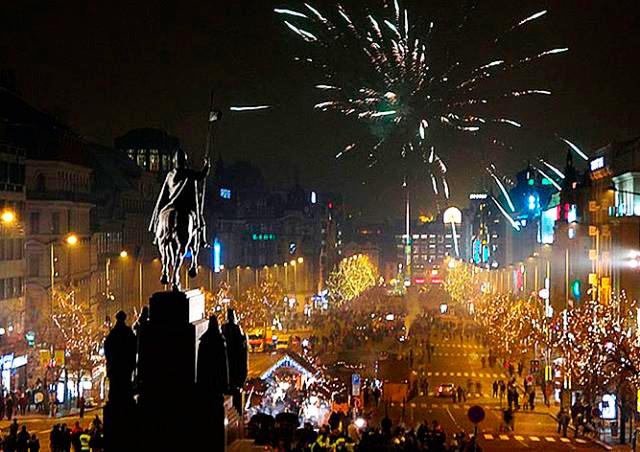 Как встретили Новый год в центре Праги: видео