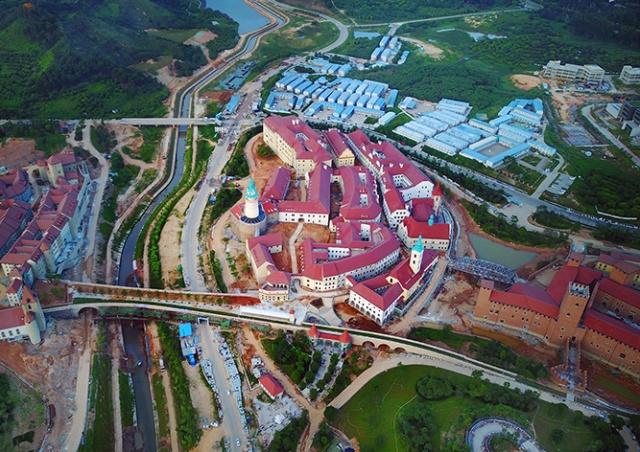 В Китае строят копию Чешского Крумлова