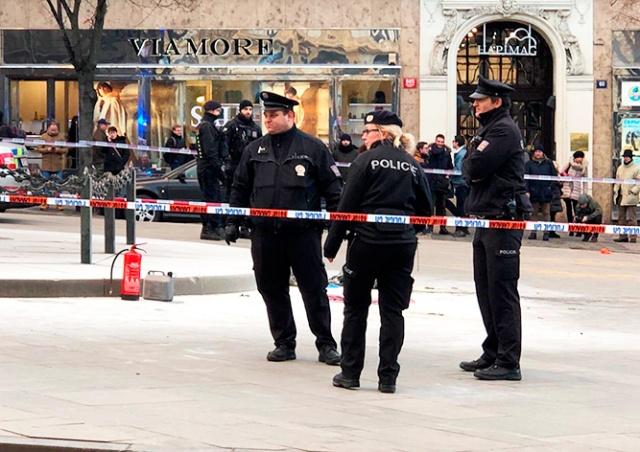 Мужчина поджег себя на Вацлавской площади в Праге