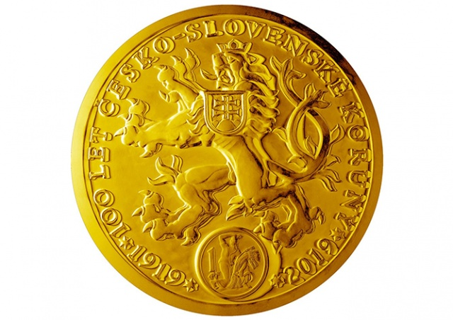 В Пражском Граде выставили 130-килограммовую золотую монету