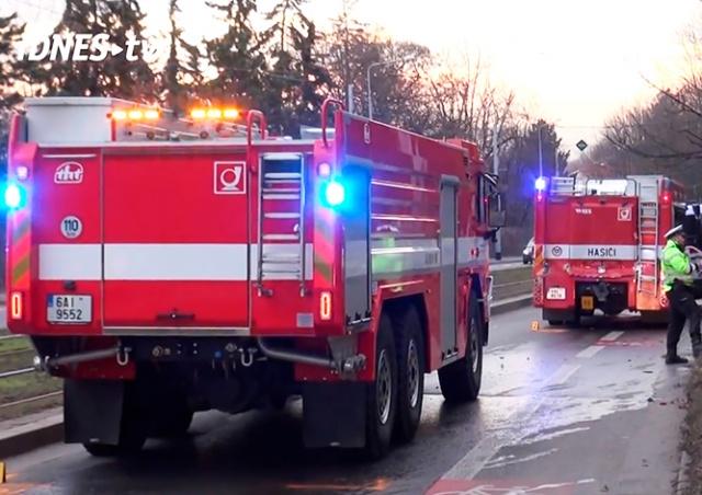 В Праге столкнулись три пожарные машины