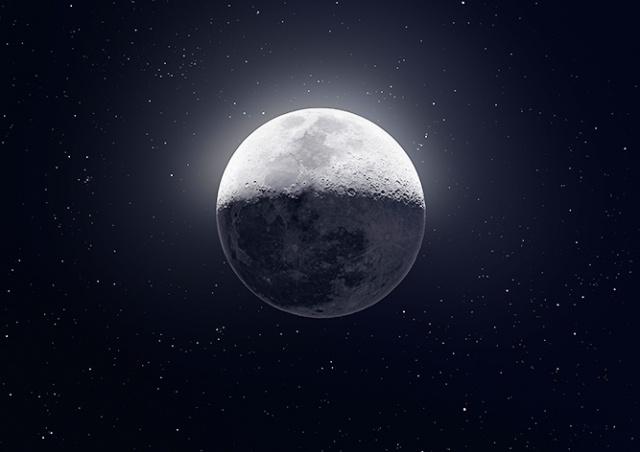 Потрясающе! Фотограф «собрал» снимок Луны из 50 тысяч кадров