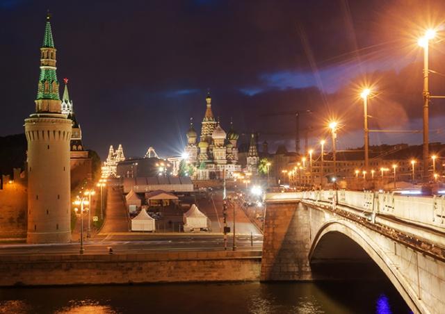 В Москве возле Кремля украли кабель правительственной связи