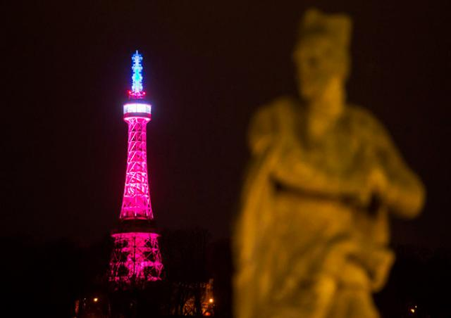 Петршинская башня в Праге окрасится в цвета французского флага