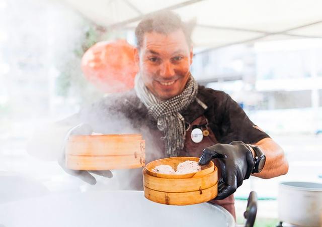 В воскресенье в Праге пройдет фестиваль уличной еды Street Food Holešovice