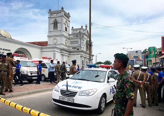 Серия взрывов в церквях и отелях Шри-Ланки: 185 погибших