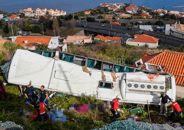 На острове Мадейра 29 туристов погибли в аварии автобуса